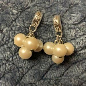 Brighton cluster white Pearl earings